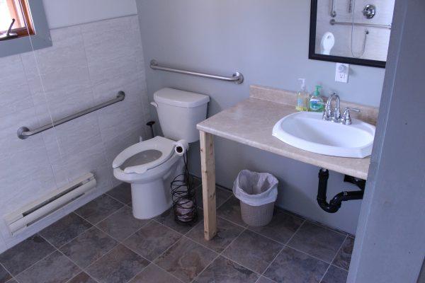 Cabin 4 Washroom